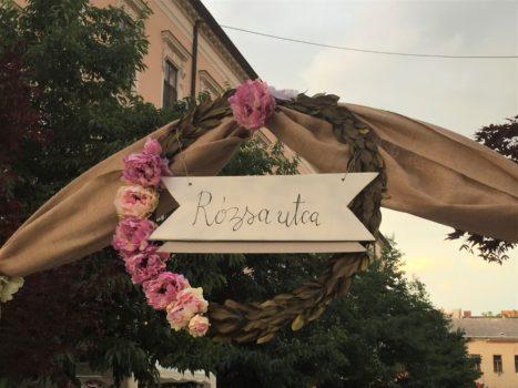 A Rózsa utcafesztivál bejárata