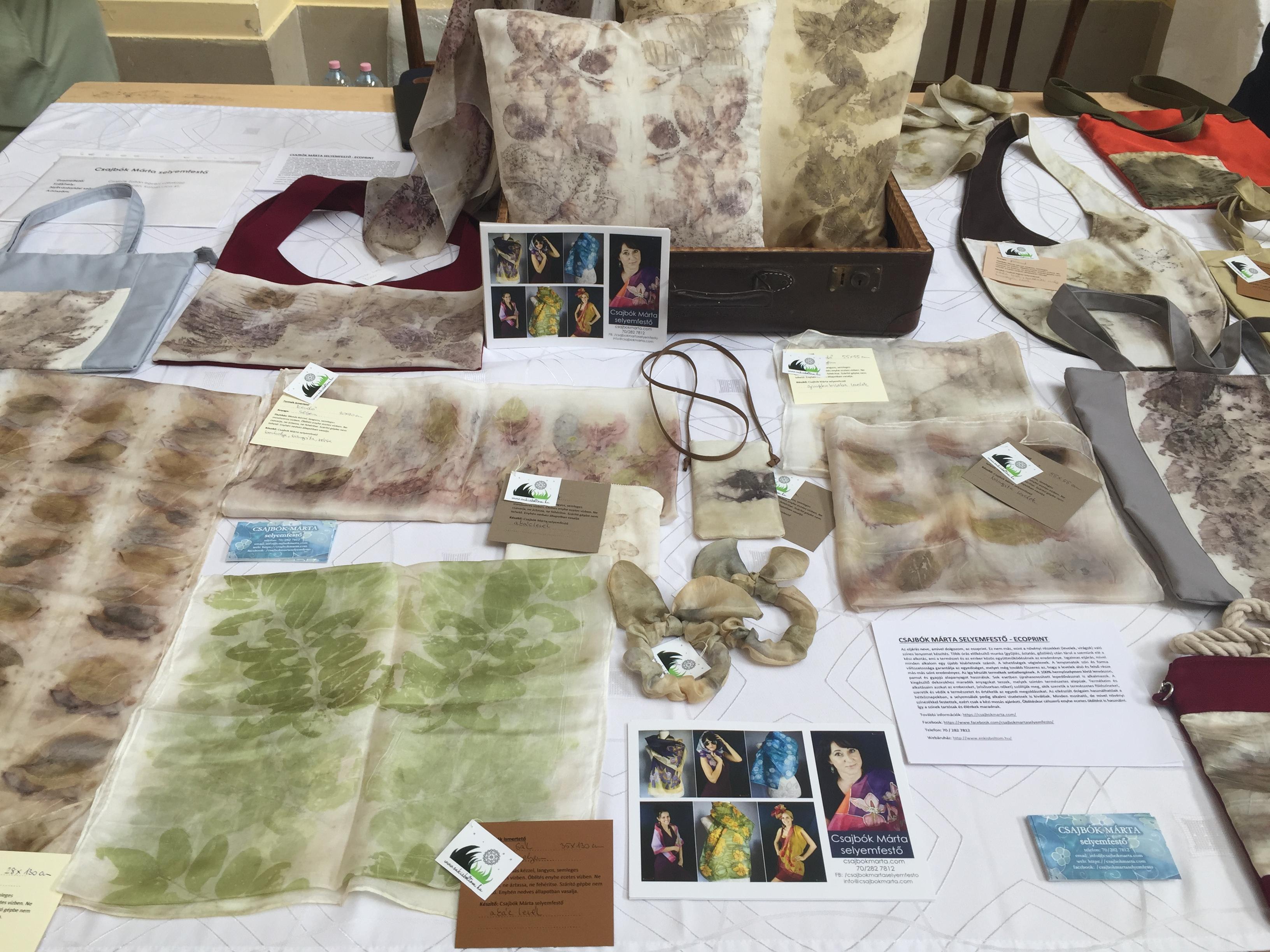 Csajbók Márta selyemfestő ecoprint termékei a CSAK Design vásáron